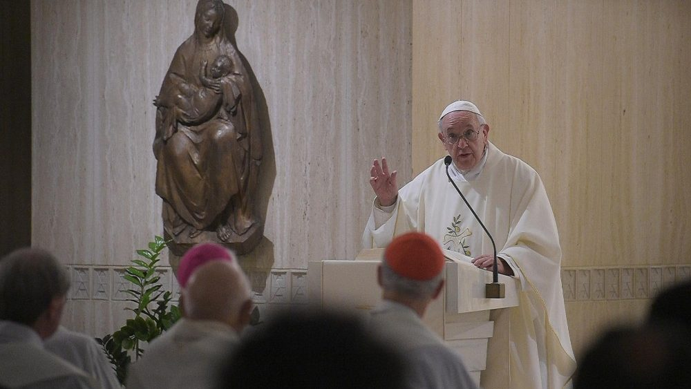 Pope: to keep in heart those who accompany us